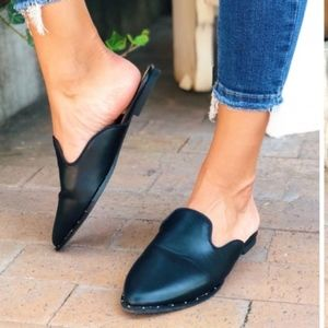 Shoes - ❗️Sale❗️Studded Slip-On Mule